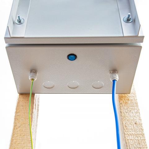 Kompakt DL3200 villanypásztor készülék napelemes rendszerrel és 12V-os akkumulátorral