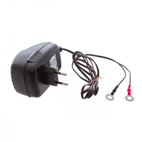 0014 - Transzformátoros hálózati adapter, 230/12V - 4800Ft