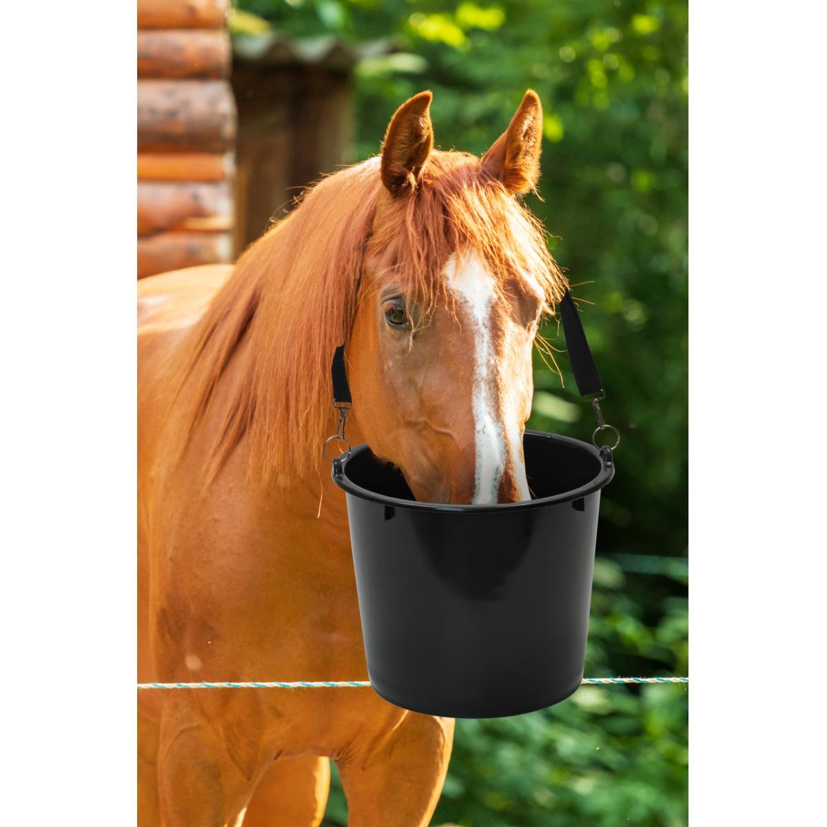 Takarmányvödör lovak számára, 12l